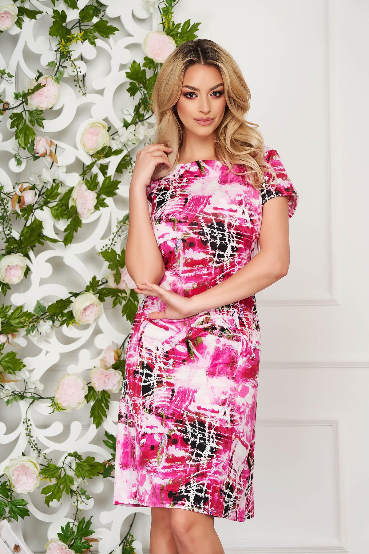 Rochie roz eleganta midi cu un croi drept din material subtire cu maneci scurte