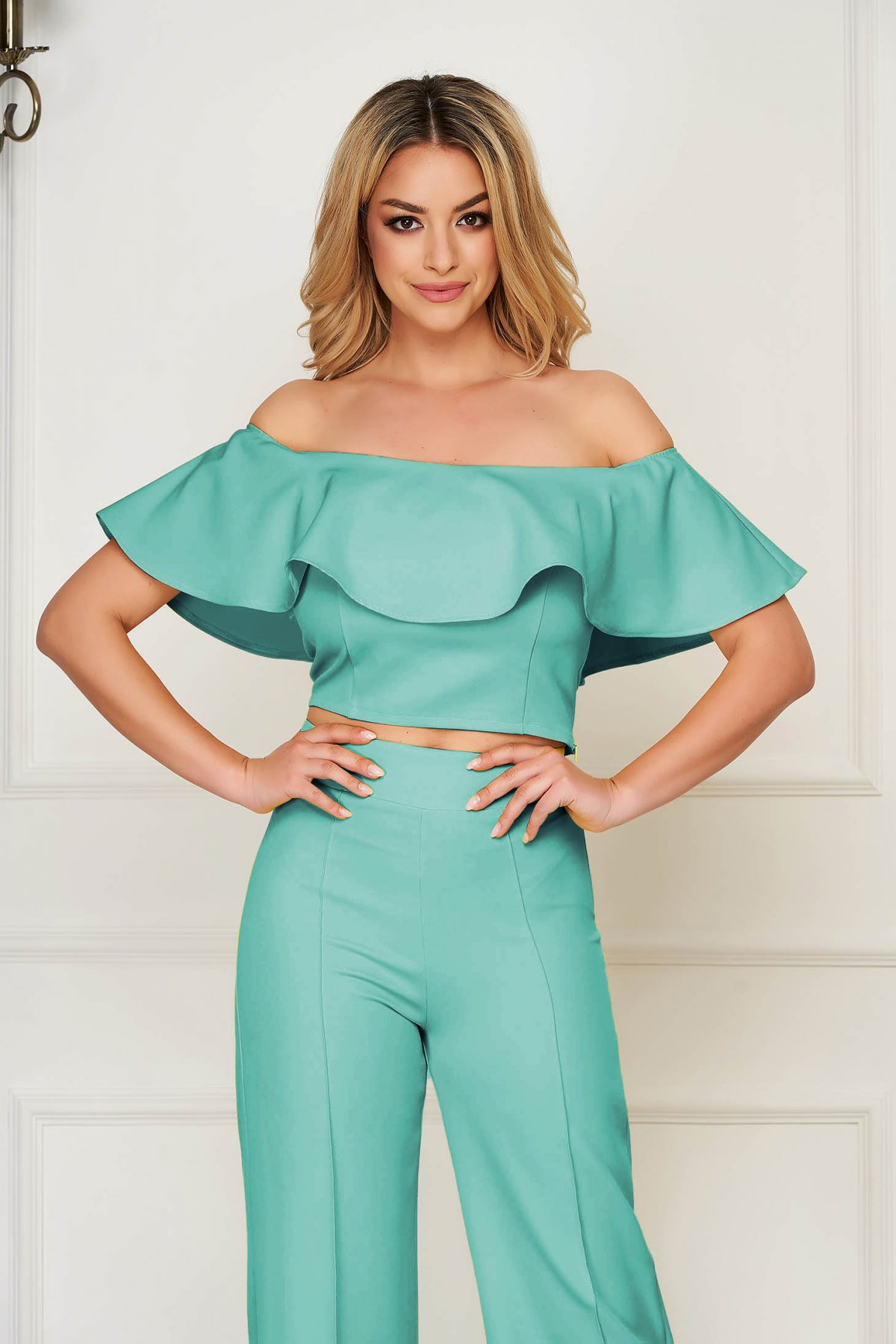 Top StarShinerS verde elegant scurt mulat din stofa elastica cu umeri goi