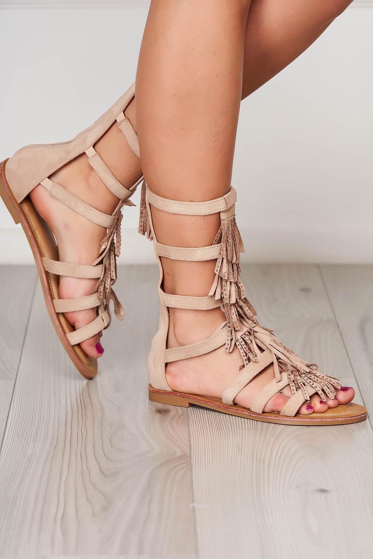 Sandale crem casual cu talpa joasa si ciucuri imagine