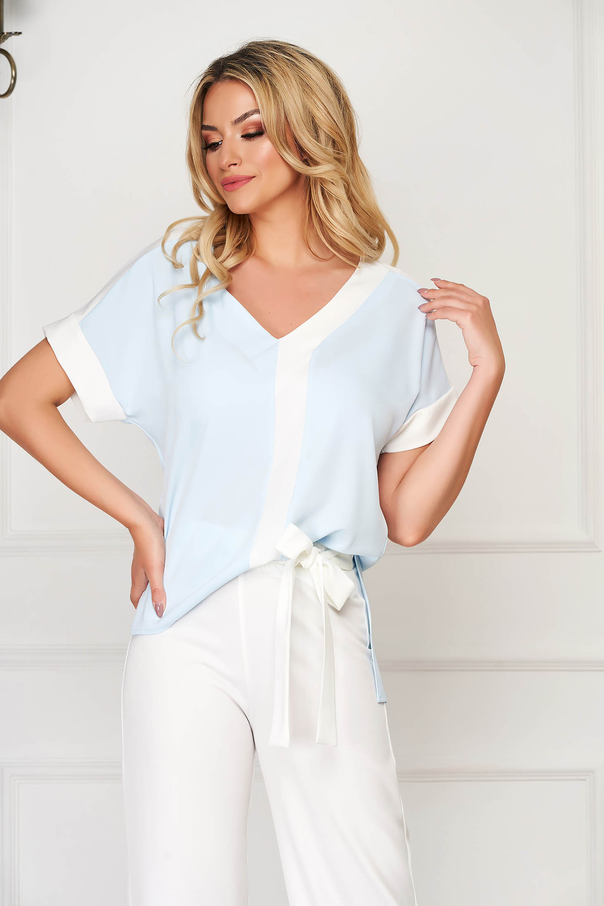 Bluza dama StarShinerS albastra-deschis eleganta cu croi larg cu decolteu in v cu maneci scurte