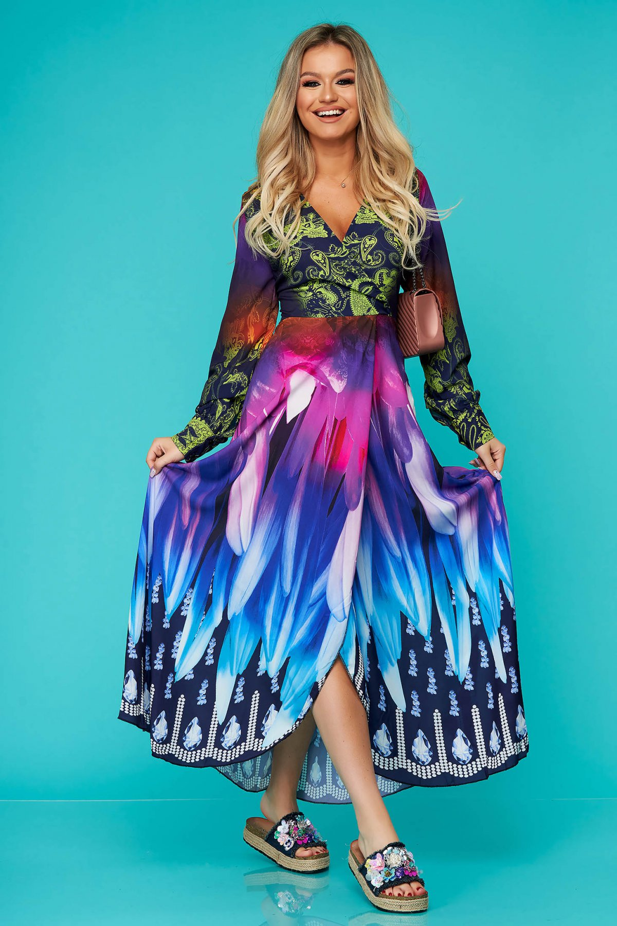 Rochie SunShine albastra lunga de zi in clos cu maneci lungi si fusta petrecuta