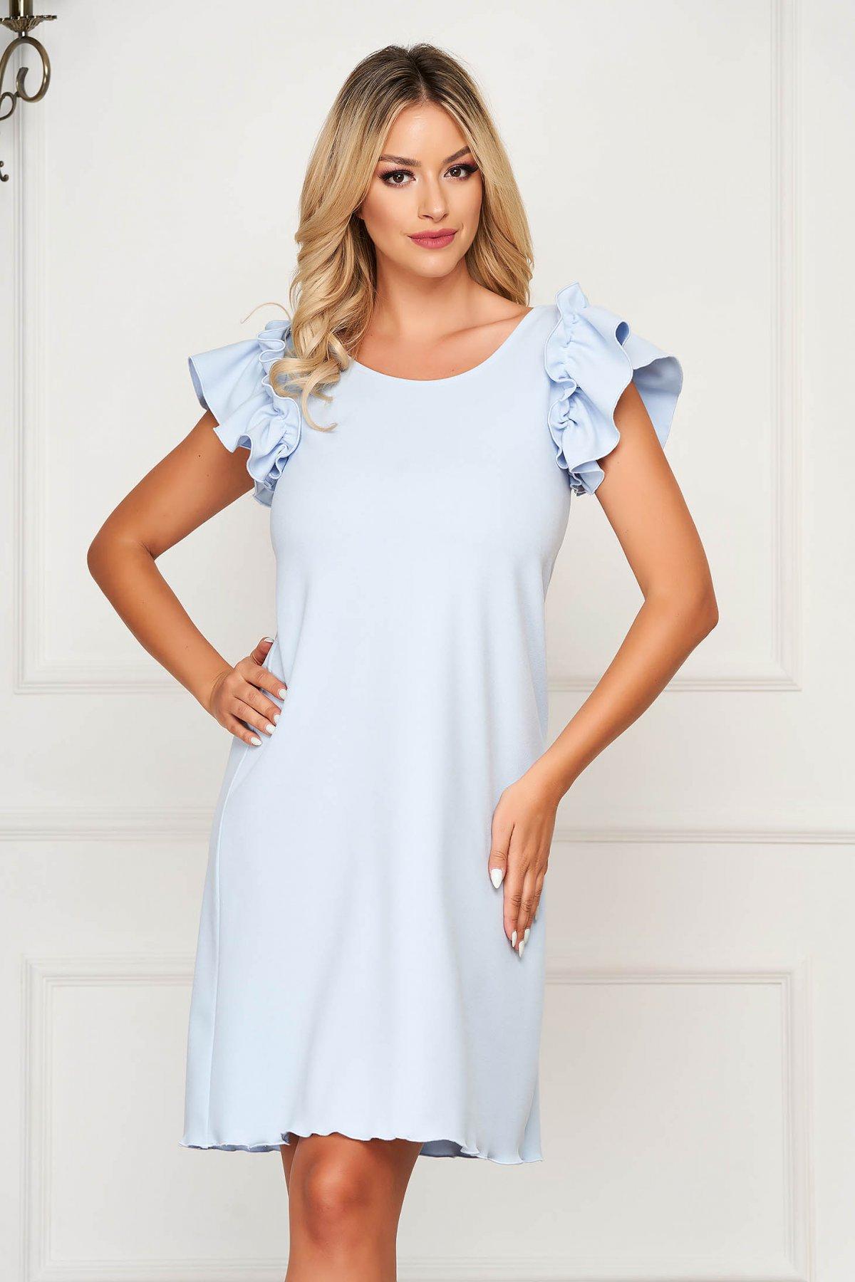 Rochie albastru-deschis scurta de zi cu croi larg cu volanase la maneca