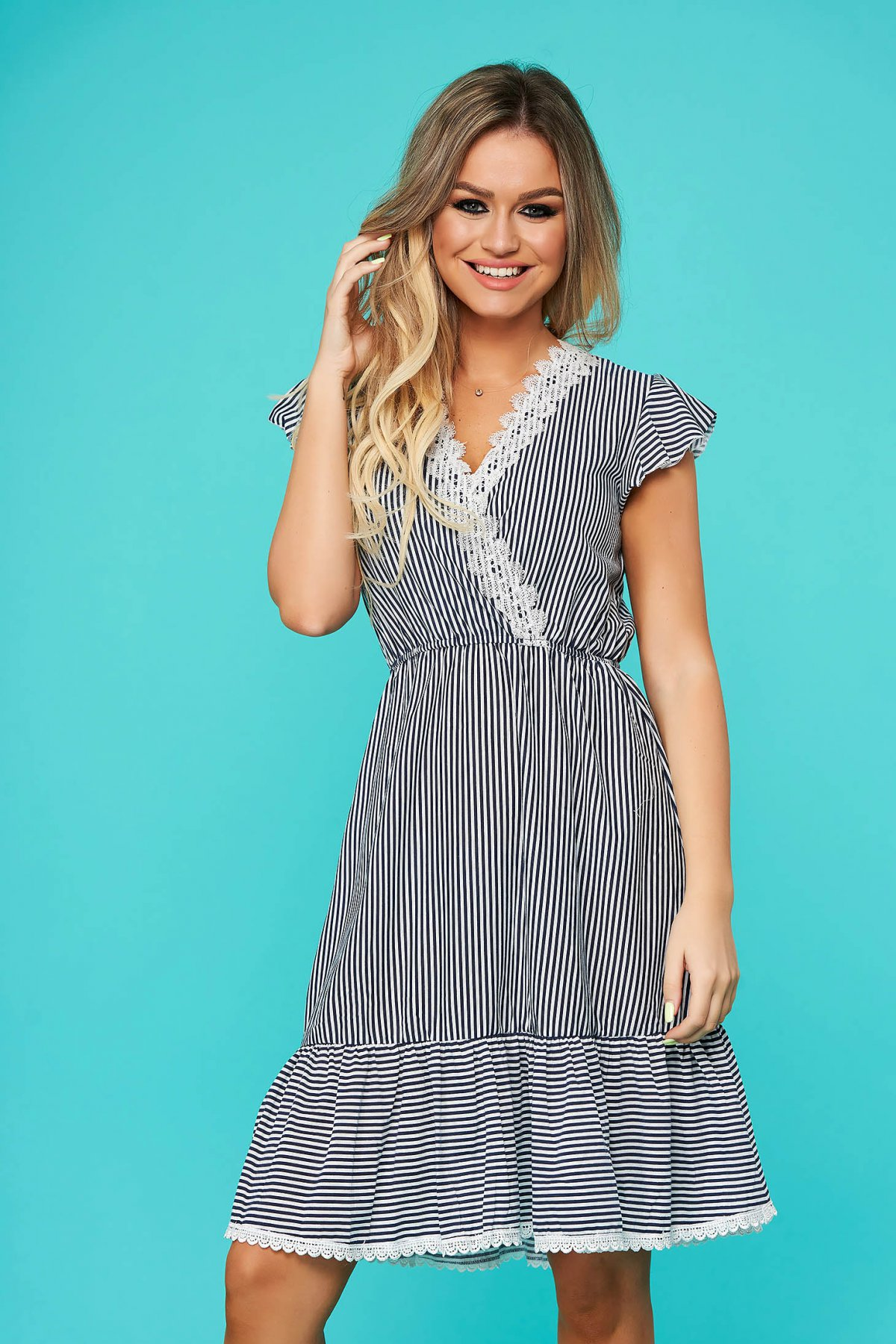 Rochie SunShine albastru-inchis de zi clos cu elastic in talie cu decolteu in v cu aplicatii de dantela cu volanase la baza rochiei
