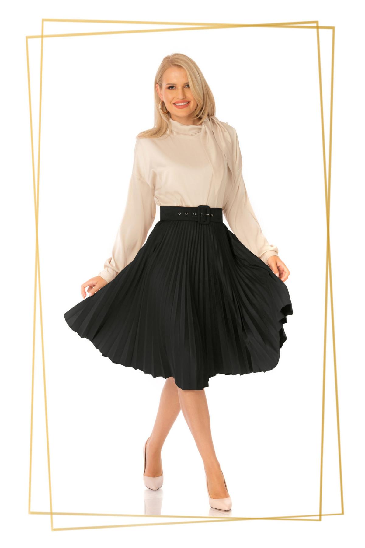 Fusta PrettyGirl neagra eleganta plisata in clos cu talie inalta cu accesoriu tip curea imagine