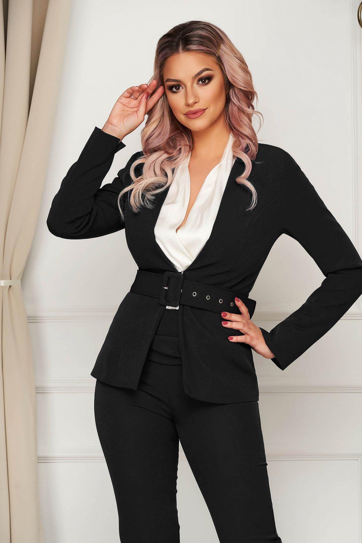 Sacou PrettyGirl negru clasic tip blazer cambrat din stofa usor elastica cu accesoriu tip curea