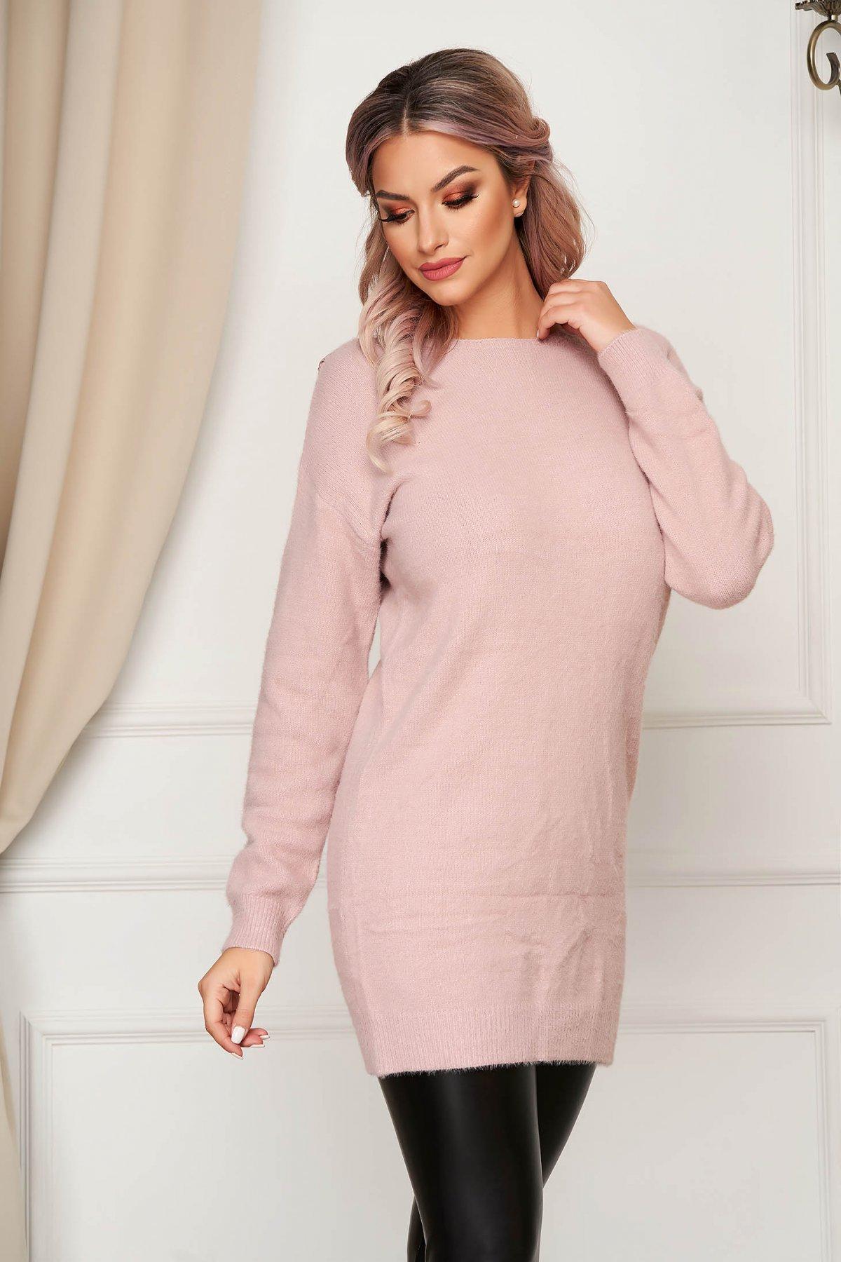 Pulover SunShine roz cu croi larg cu decolteu in v cu aplicatii de dantela din material tricotat imagine