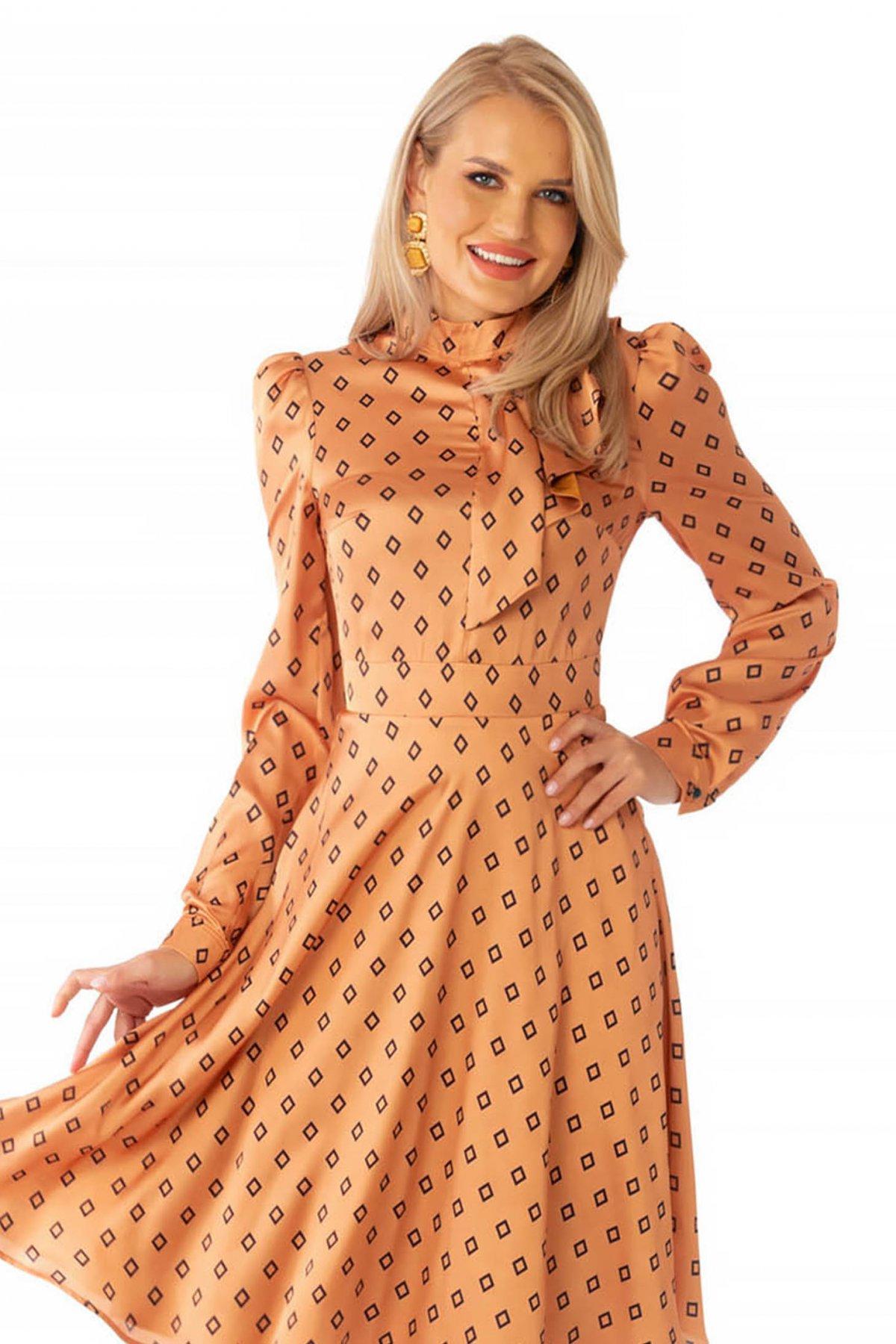 Rochie PrettyGirl eleganta in clos cu guler tip esarfa din material satinat cu imprimeu geometric PrettyGirl