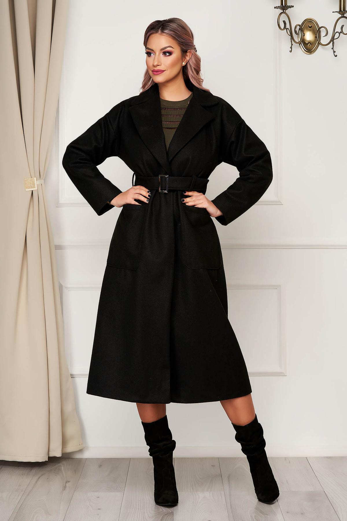 Palton negru elegant cu un croi drept din stofa neelastica cu buzunare