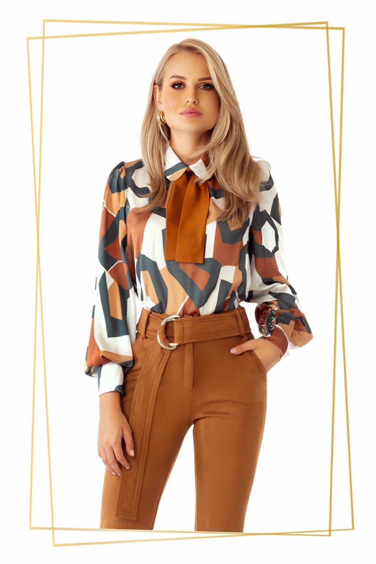Bluza dama PrettyGirl maro eleganta cu croi larg cu maneci bufante din material satinat cu imprimeu geometric