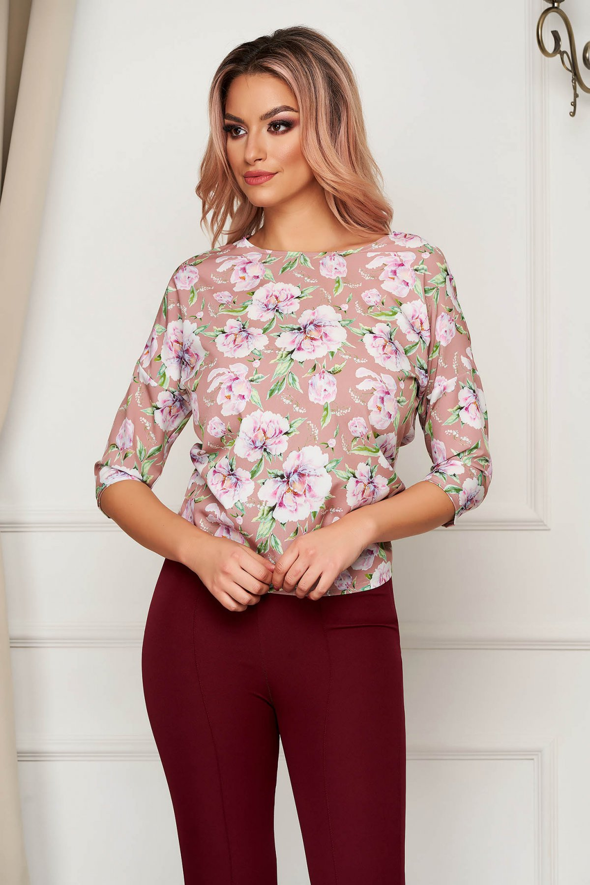 Bluza dama StarShinerS cu imprimeu floral office scurta cu croi larg din material fin cu detalii brodate