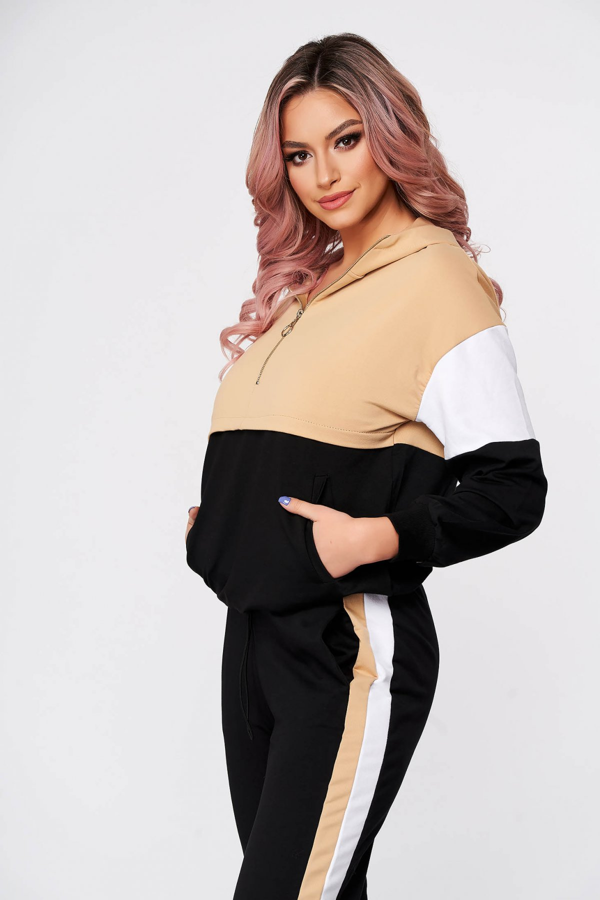 Treninguri dama SunShine crem casual din doua piese cu pantaloni din bumbac usor elastic imagine