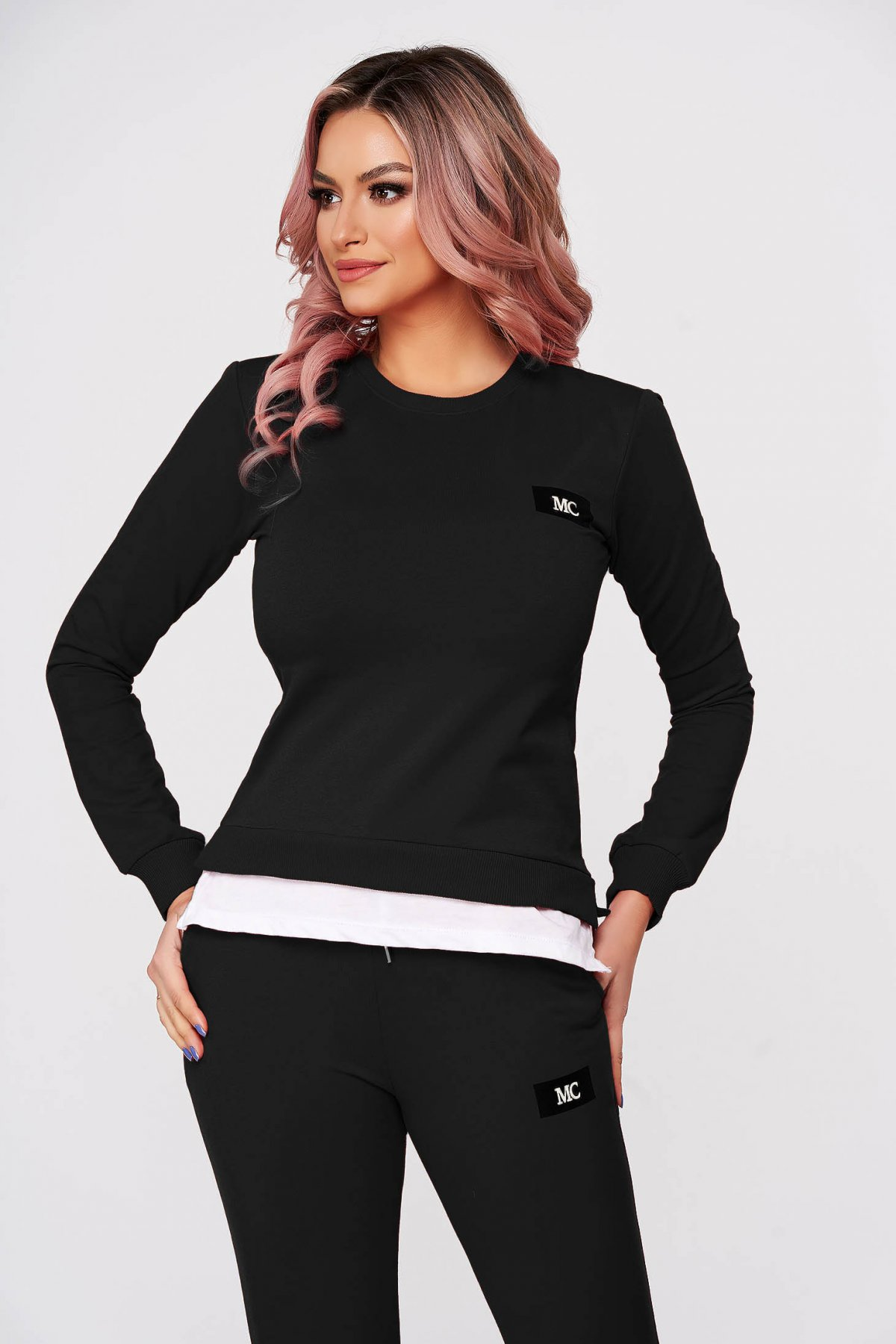 Trening dama SunShine negru din 2 piese cu pantalon din bumbac usor elastic cu croi larg si slit lateral