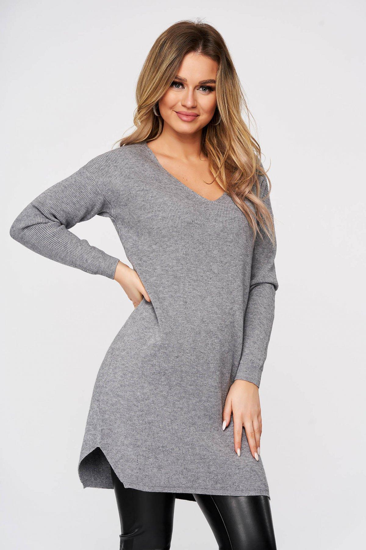 Bluza SunShine gri tricotat din material reiat din material elastic si fin slit lateral cu decolteu in v imagine