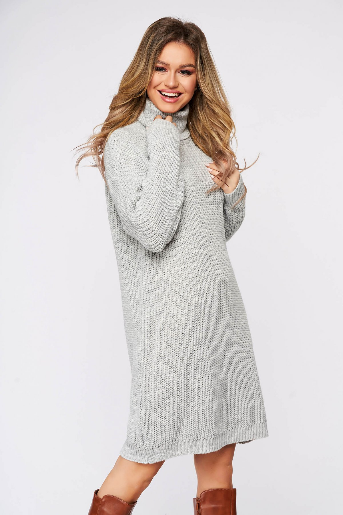 Rochie SunShine casual gri din material tricotat pe gat cu croi larg SunShine