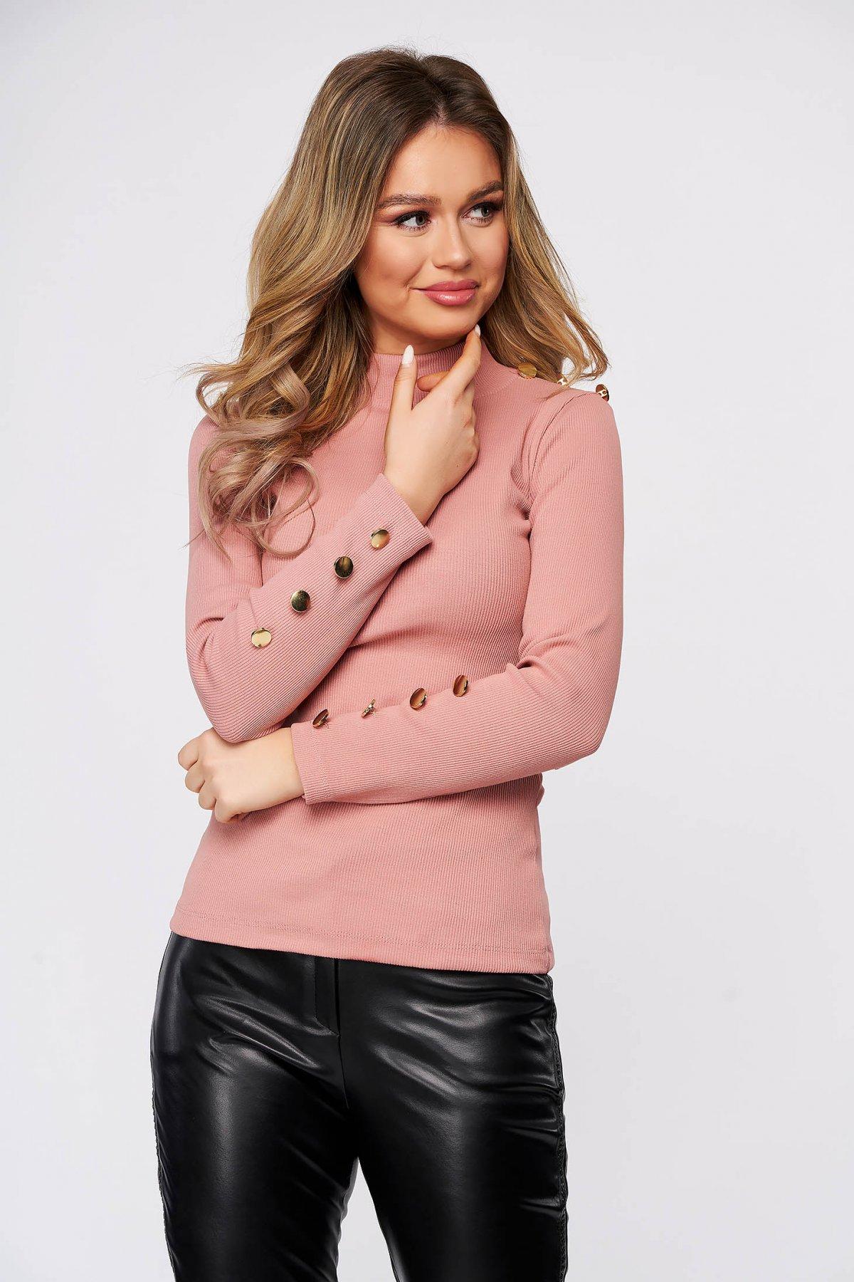 Bluza dama SunShine roz din bumbac elastic reiat cu un croi mulat accesorizata cu nasturi