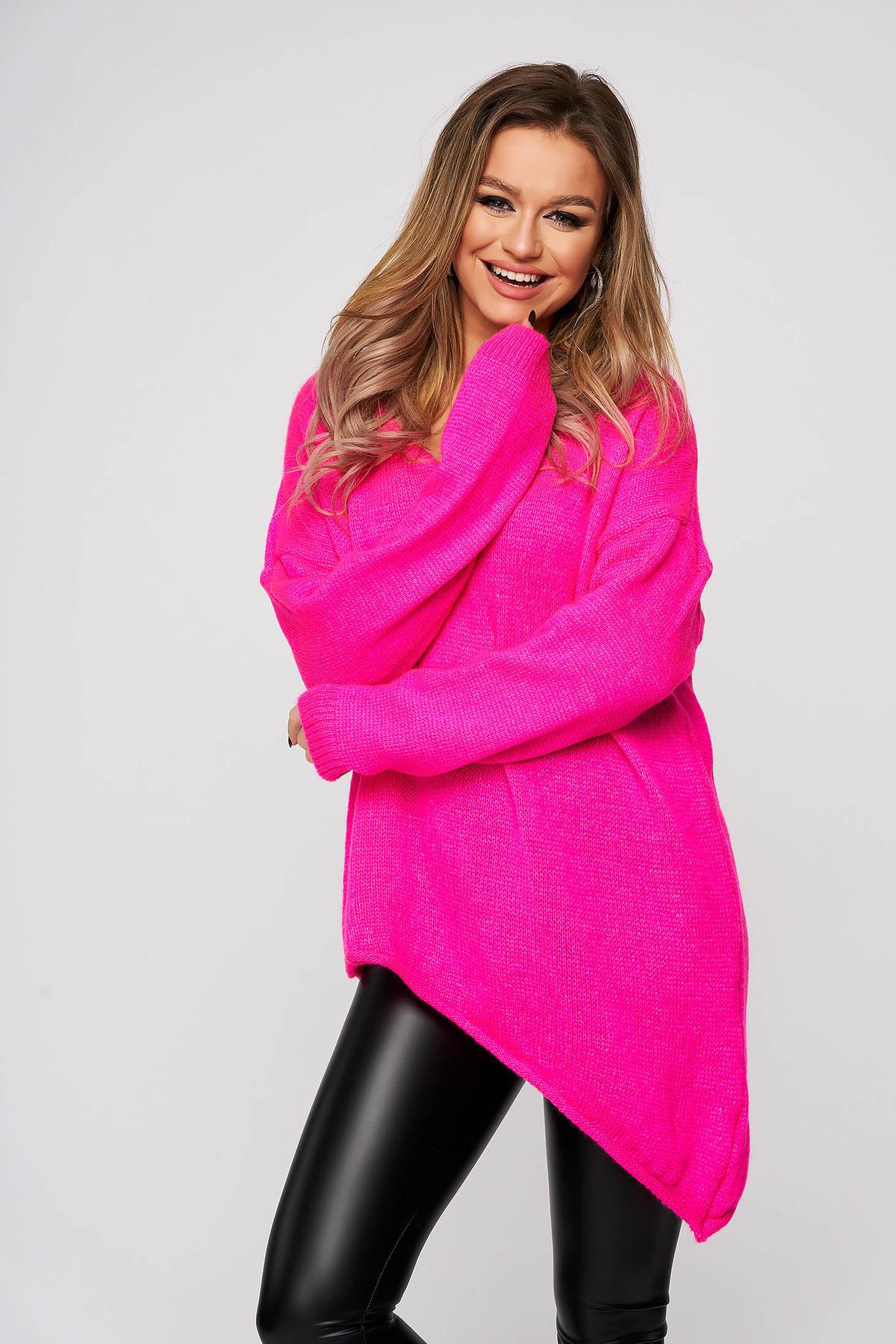 Pulover SunShine roz cu decolteu in v din material elastic si fin cu croi larg