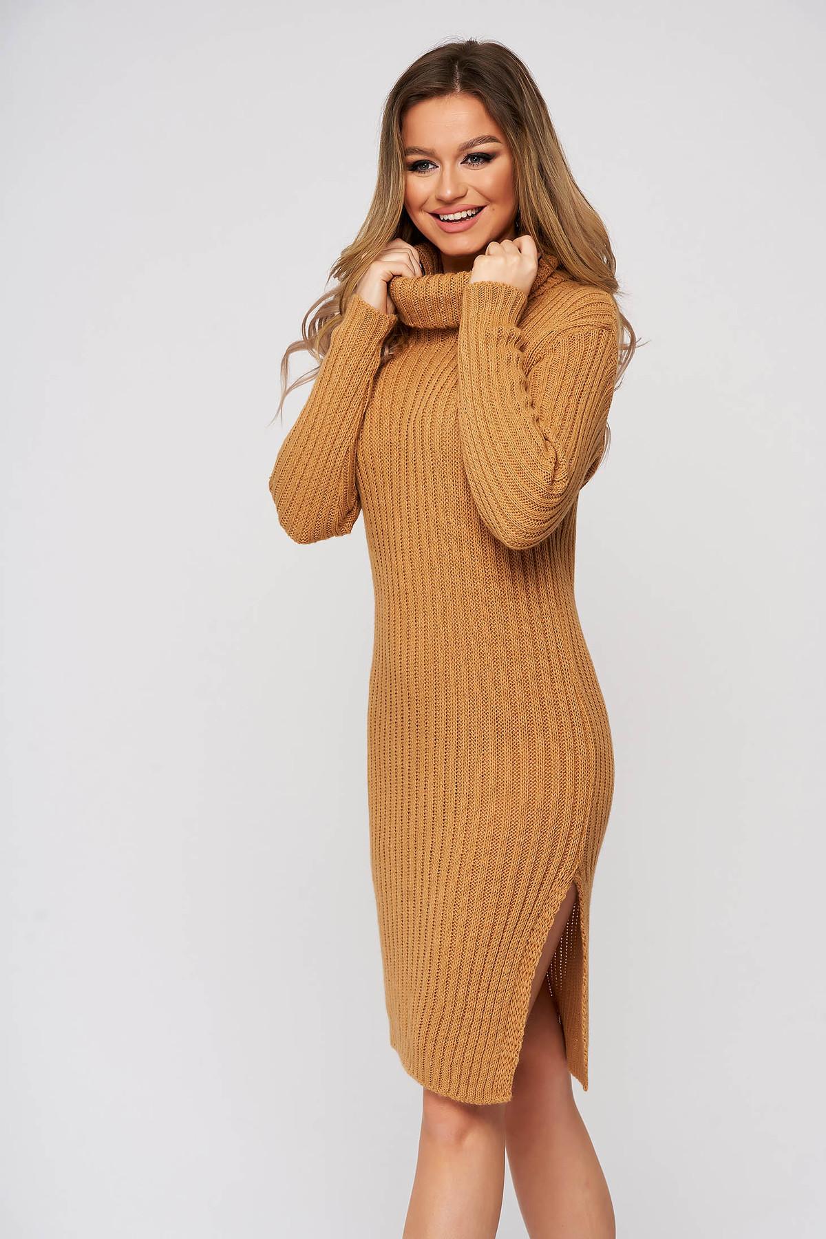 Rochie SunShine cappuccino din tricot reiat elastic pe gat cu croi mulat SunShine