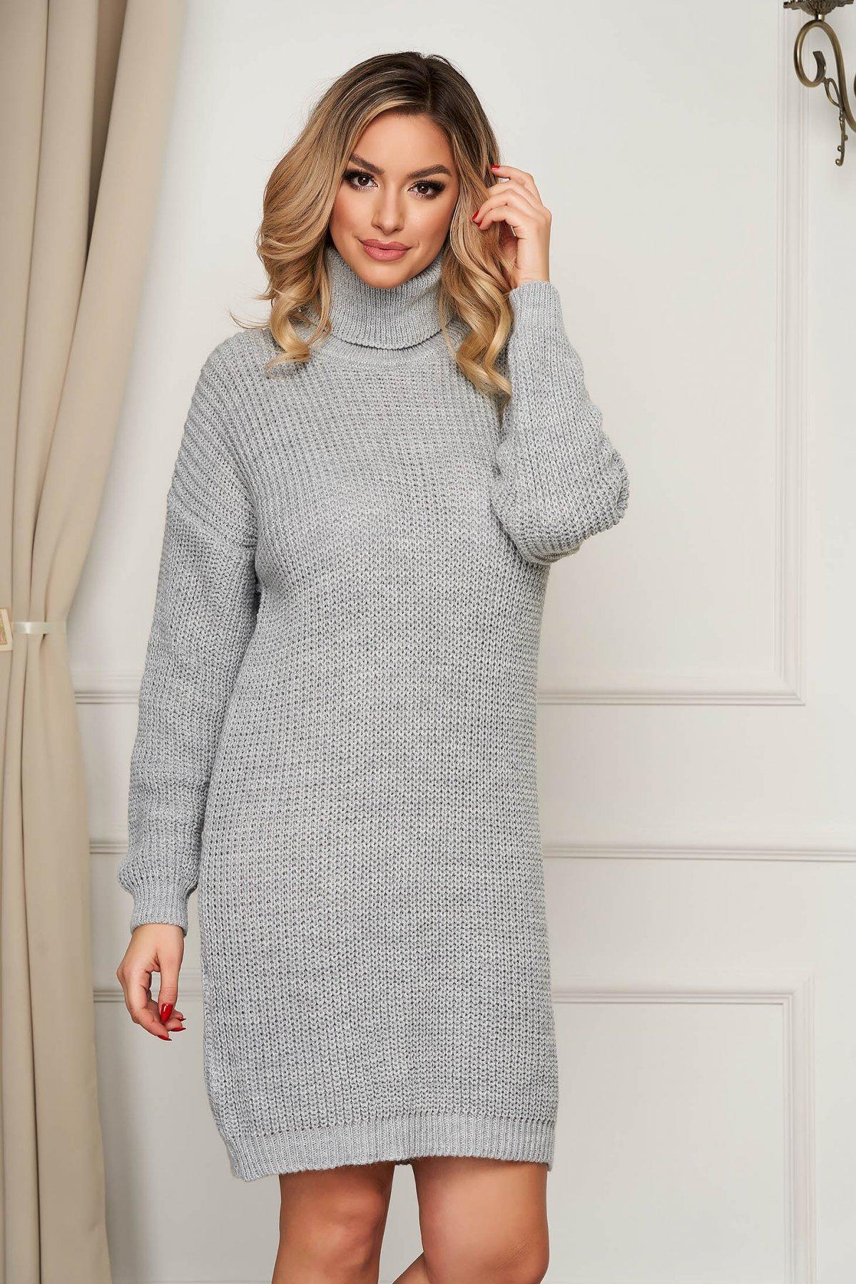 Rochie SunShine gri pe gat tricotata din material elastic cu croi larg - medelin.ro