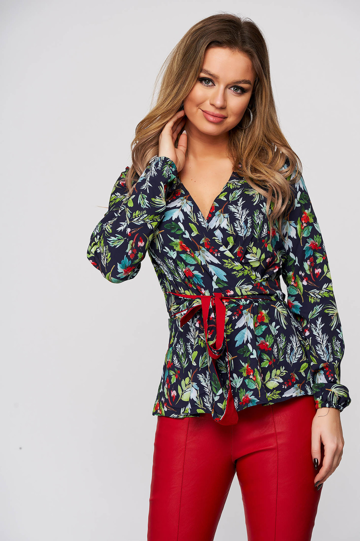Poza Bluza dama StarShinerS cu imprimeu floral office cu croi larg cu decolteu in v din material subtire