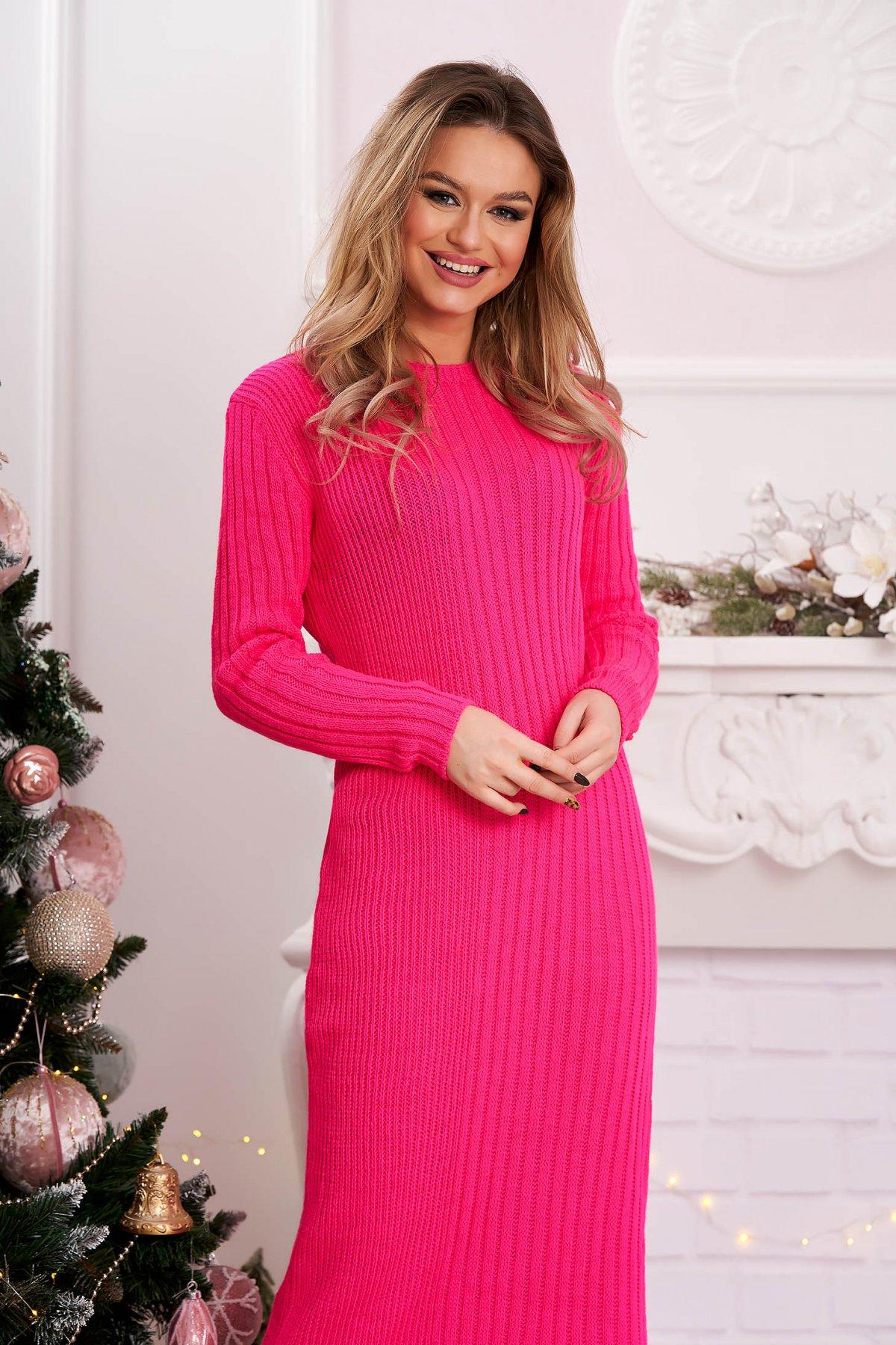 Rochie roz scurta din material reiat tricotat cu decolteu rotunjit