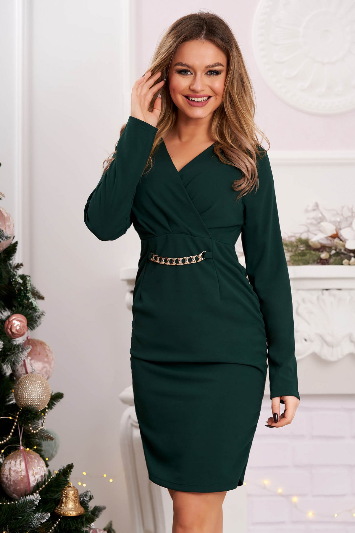 Rochie verde-inchis scurta de party tip creion dn material incretit in laterale