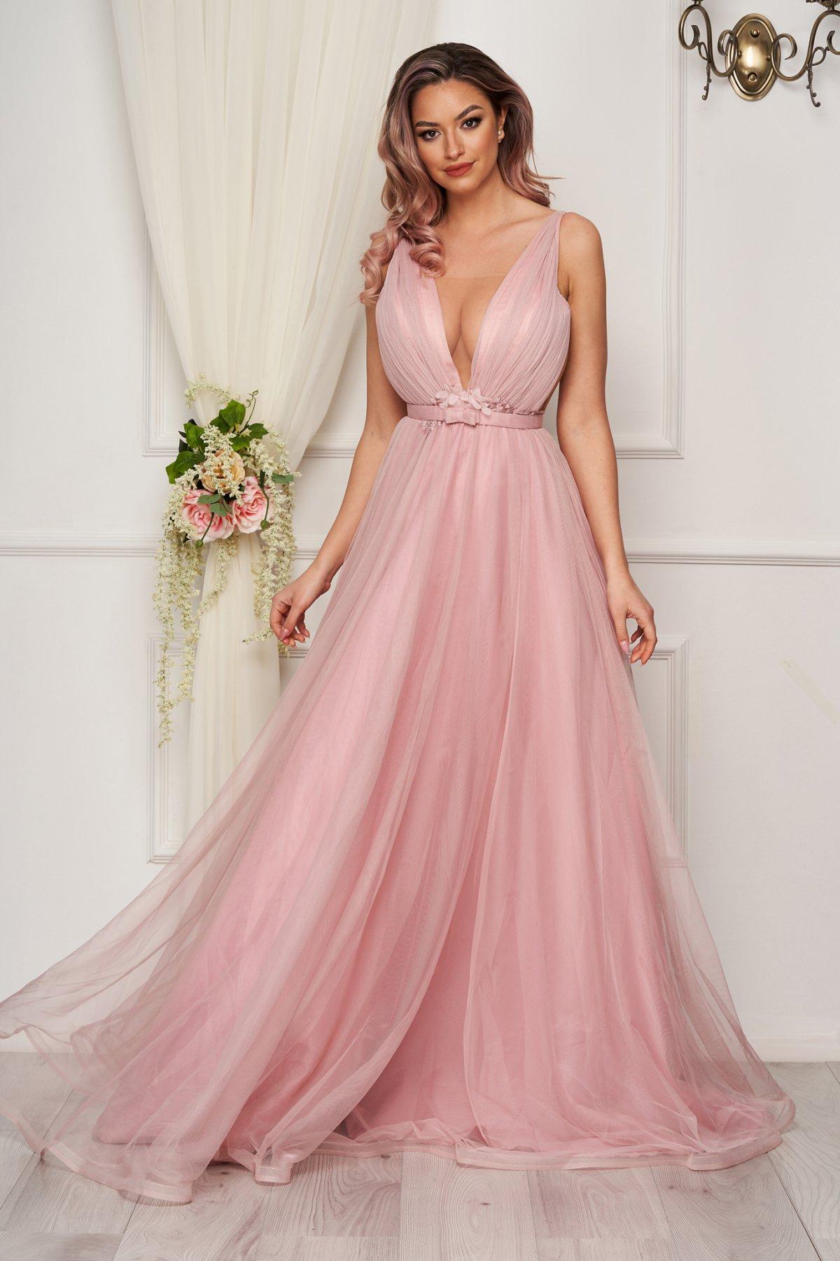 Rochie roz deschis de seara din tul in clos cu corset la spate - medelin.ro
