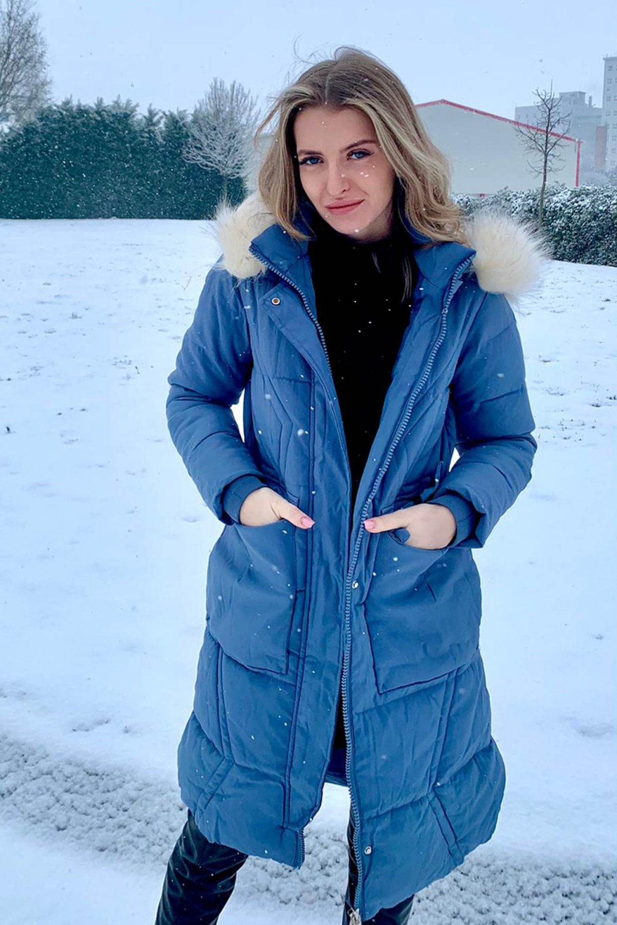 Geaca SunShine albastra casual lunga din fas cu gluga detasabila accesorizata cu blana ecologica