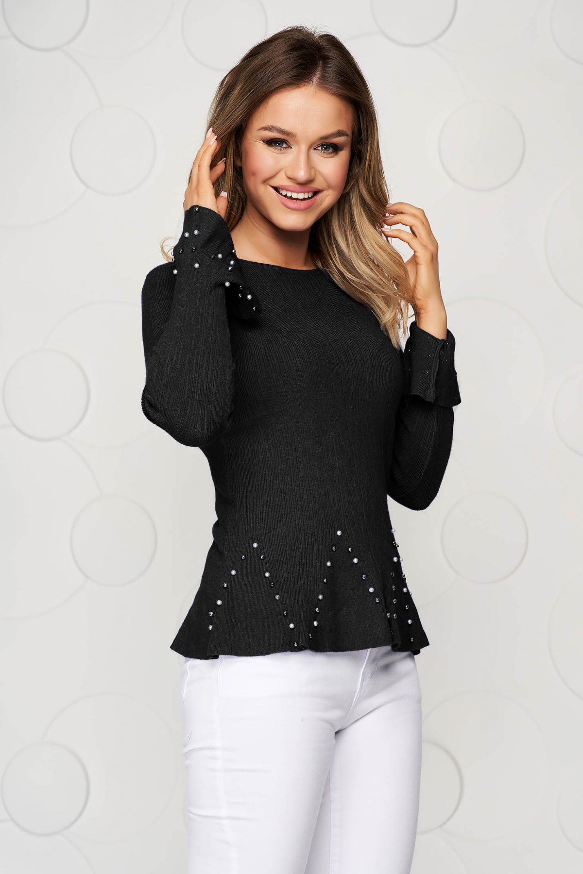 Bluza dama SunShine neagra din material elastic si fin cu maneci clopot si aplicatii cu margele