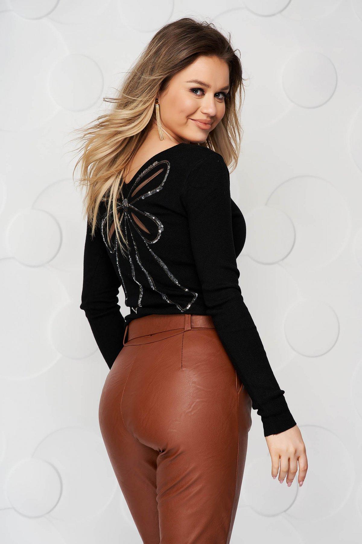 Bluza dama SunShine neagra din tricot reiat elastic si fin cu aplicatii cu paiete