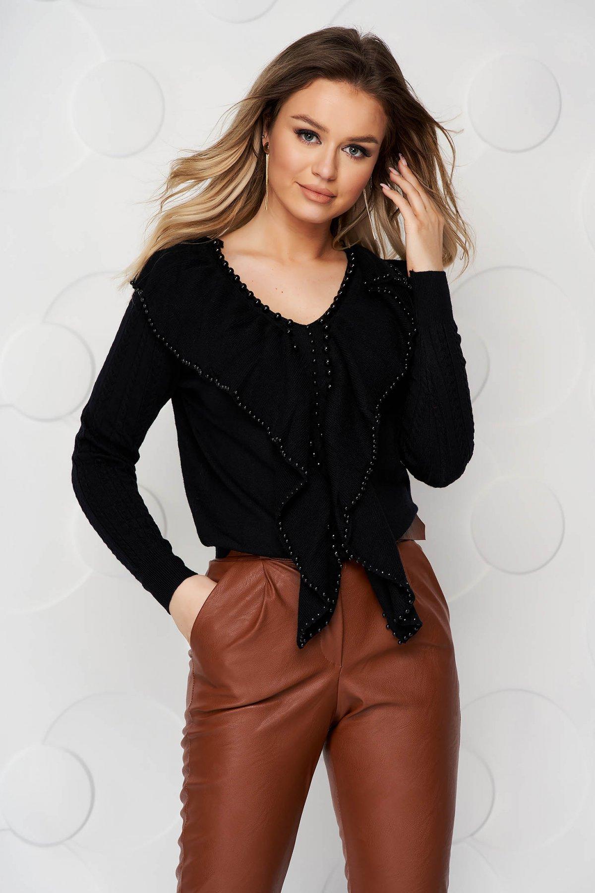 Bluza dama SunShine neagra tricotata si reiata cu aplicatii cu margele