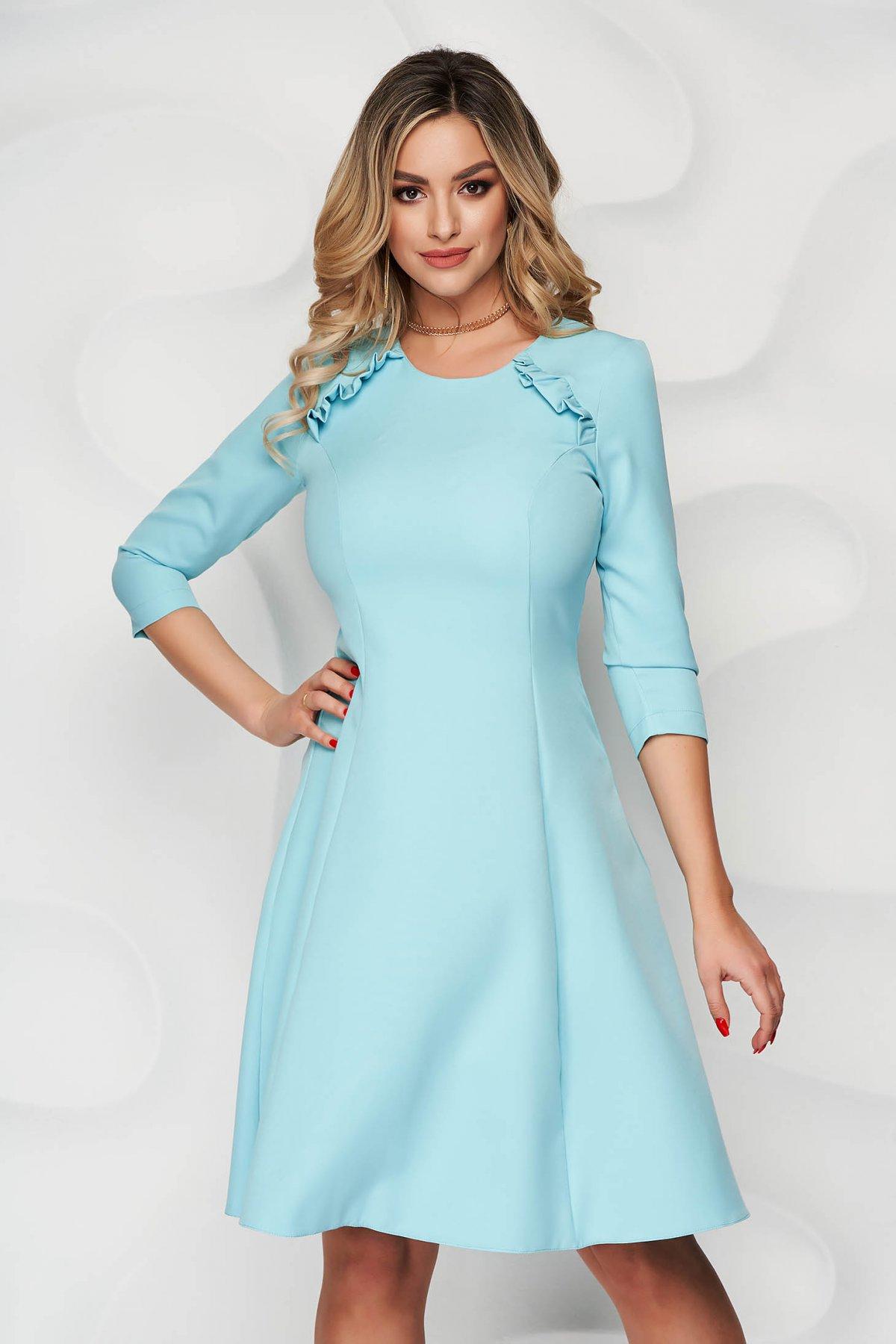 Rochie StarShinerS albastru aqua office midi in clos din stofa usor elastica cu volanase - medelin.ro