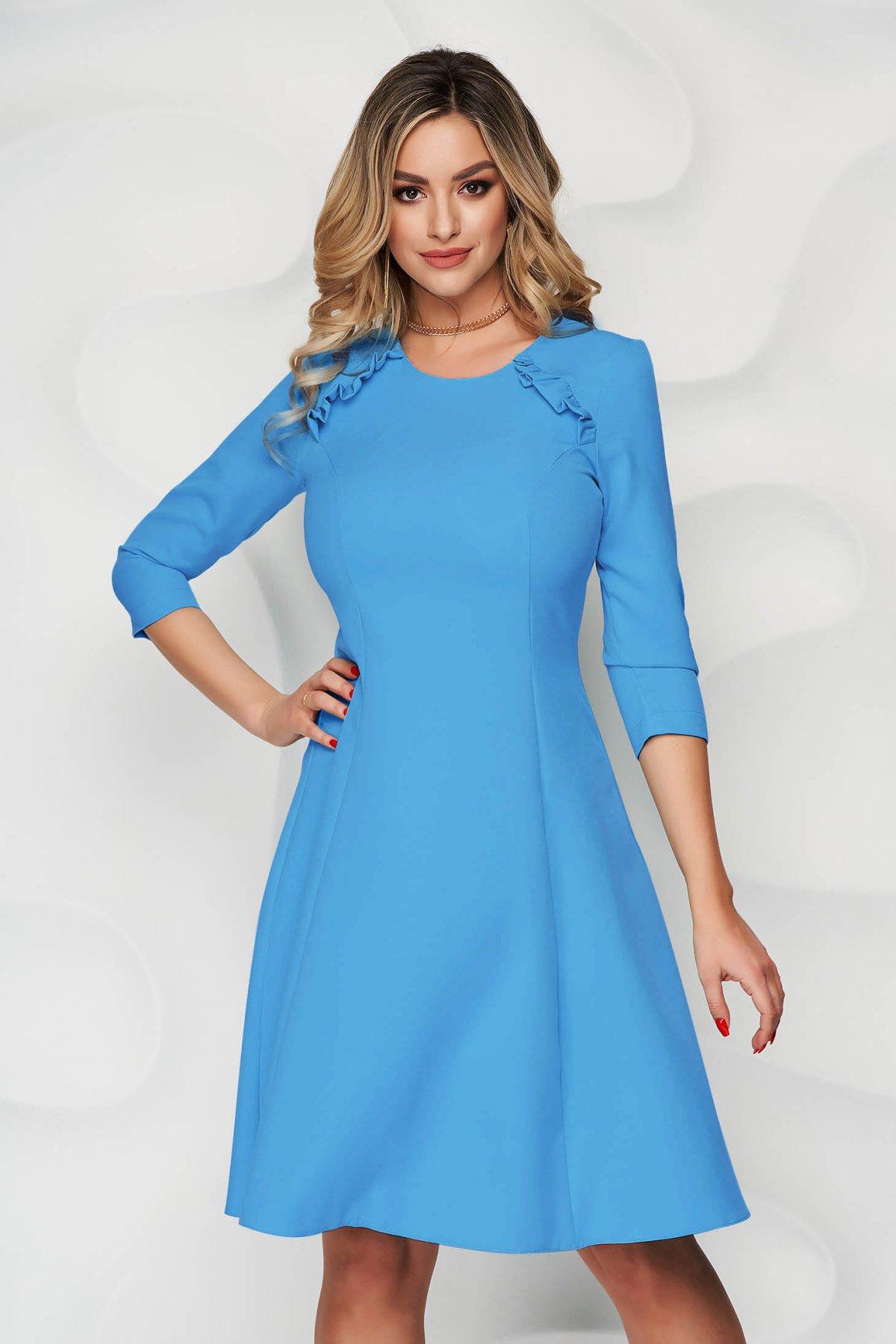 Rochie StarShinerS albastra office midi in clos din stofa usor elastica cu volanase