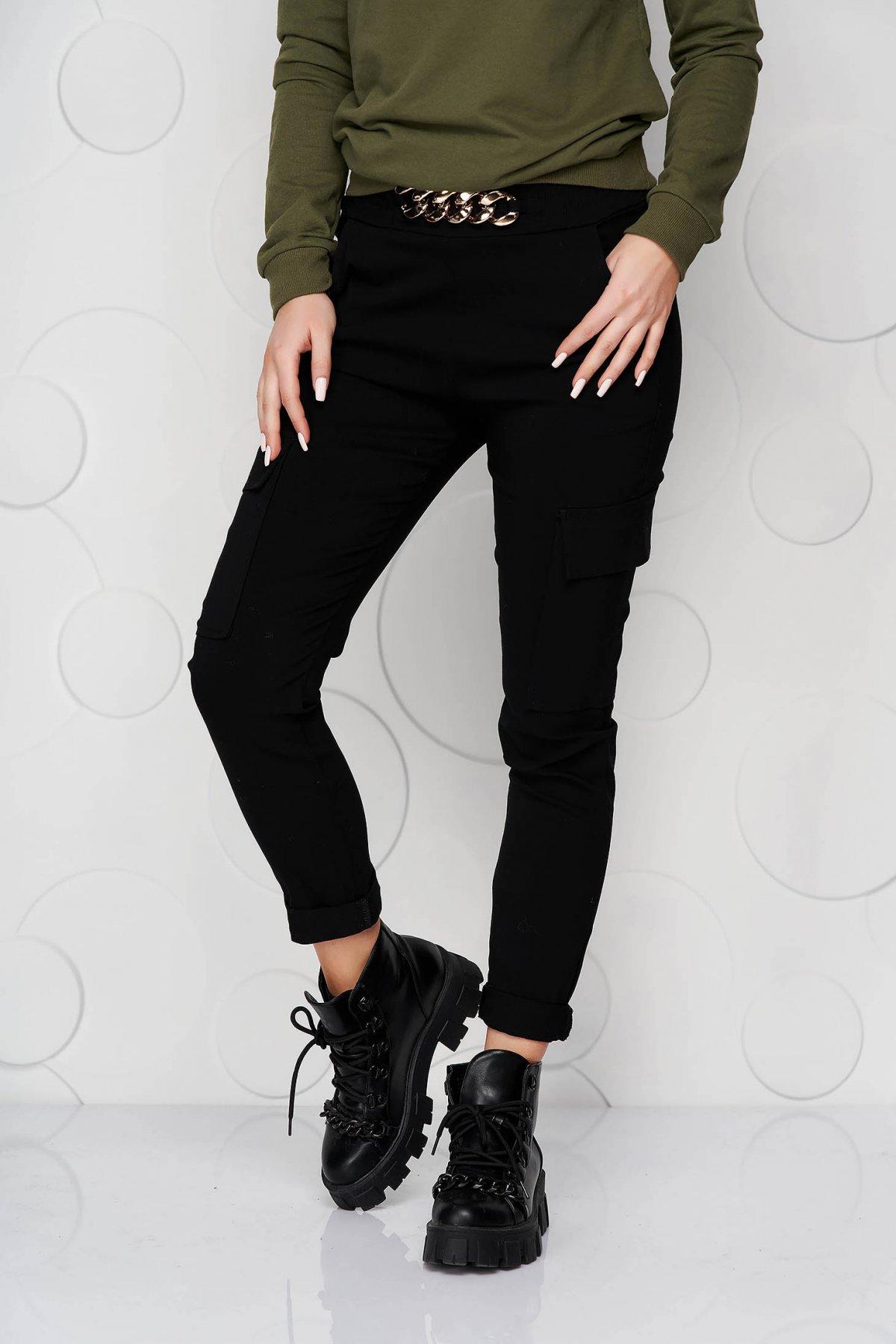 Pantaloni SunShine negri conici cu buzunare cu elastic in talie si cu accesoriu metalic