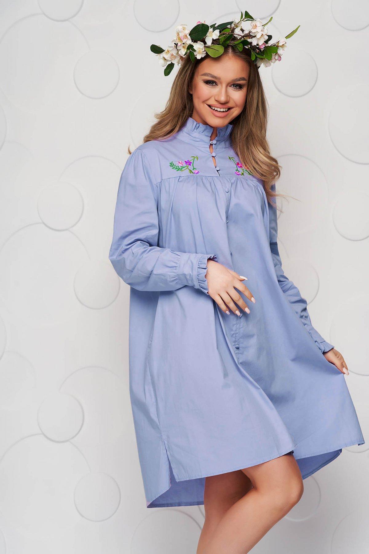 Rochie SunShine albastra din bumbac subtire brodata cu croi larg si guler cu volanase