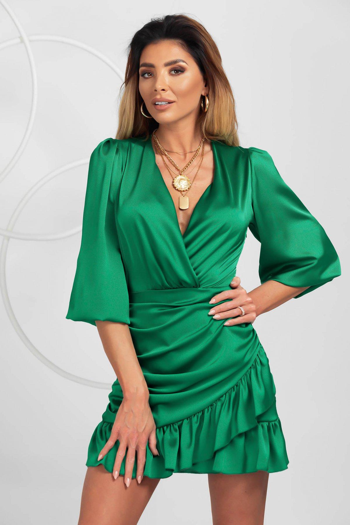 Rochie PrettyGirl verde de party din satin cu decolteu petrecut si volanase