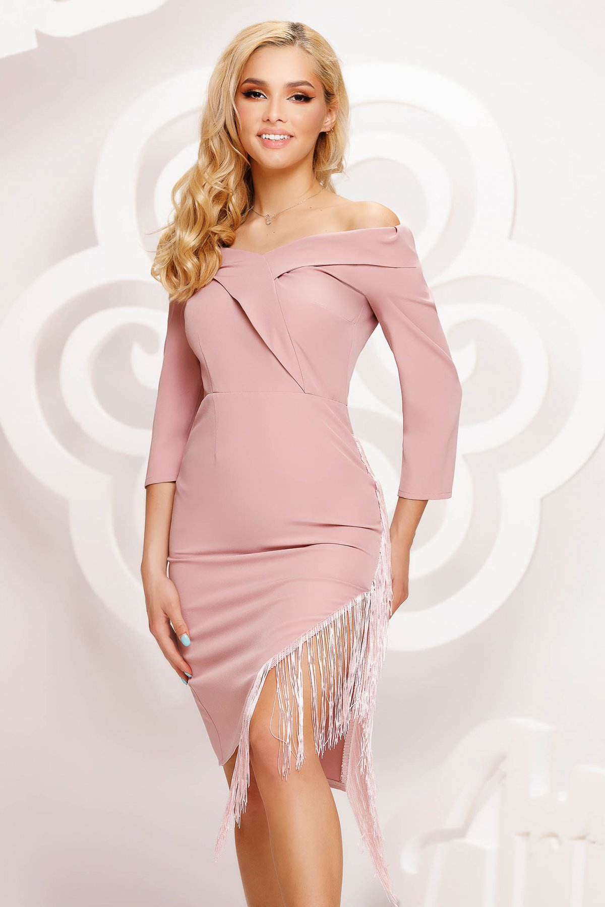 Rochie roz prafuit Artista scurta asimetrica de ocazie din material elastic cu franjuri pe umeri - medelin.ro