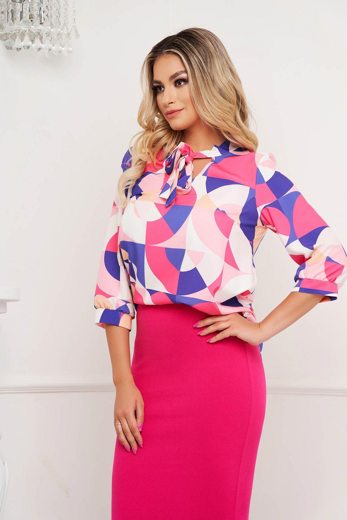 Bluza dama StarShinerS cu imprimeu grafic din material subtire cu guler tip esarfa