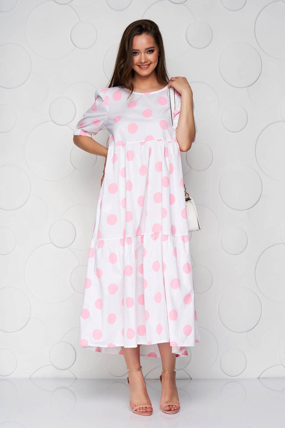 Rochie roz cu buline din material vaporos cu croi larg si volanase - medelin.ro
