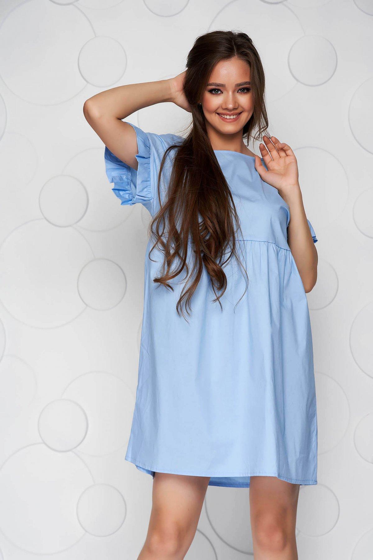Rochie albastru-deschis din poplin cu croi larg cu volanase - medelin.ro