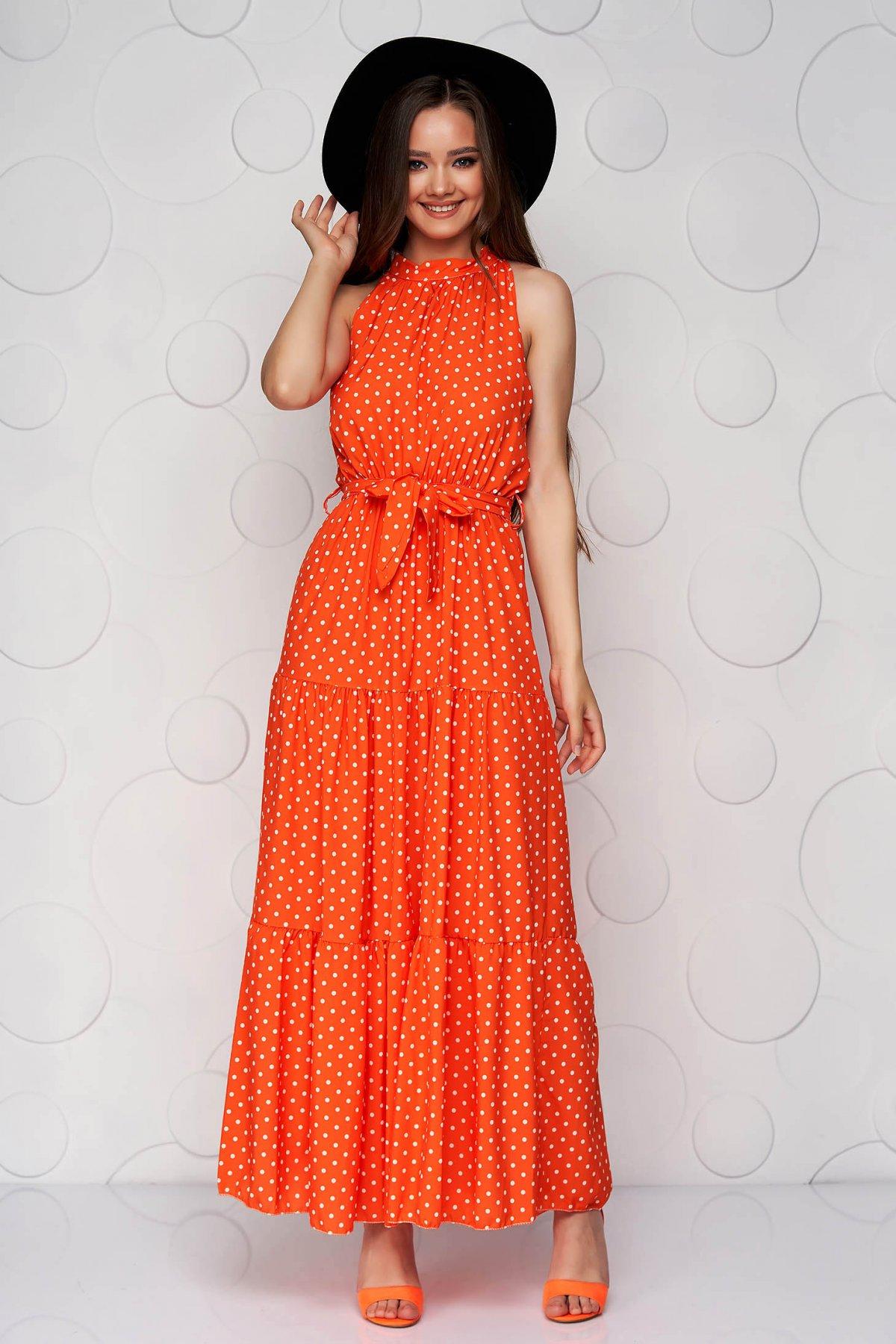 Rochie SunShine portocalie din material vaporos in clos cu buline si guler tip halter - medelin.ro