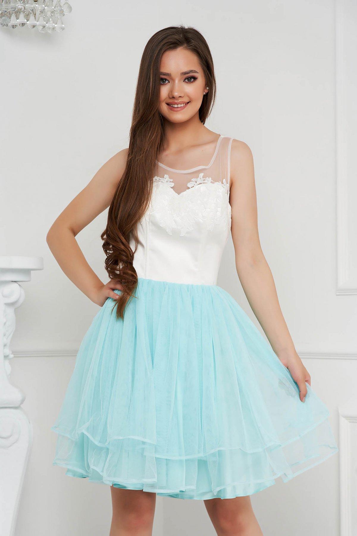 Rochie albastru aqua scurta de ocazie din tul cu broderie - medelin.ro