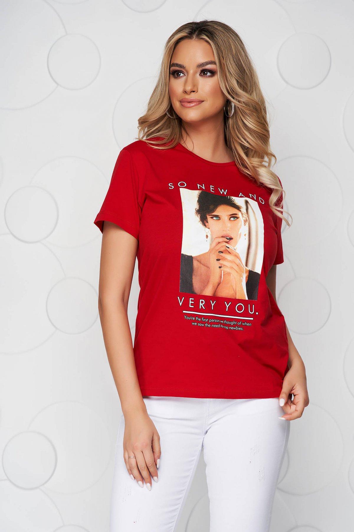 Tricou SunShine rosu din bumbac cu croi larg cu decolteu rotunjit si imprimeuri grafice
