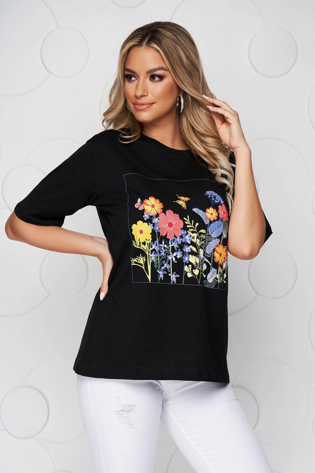 Tricou SunShine negru din bumbac cu croi larg cu decolteu rotunjit si imprimeu floral