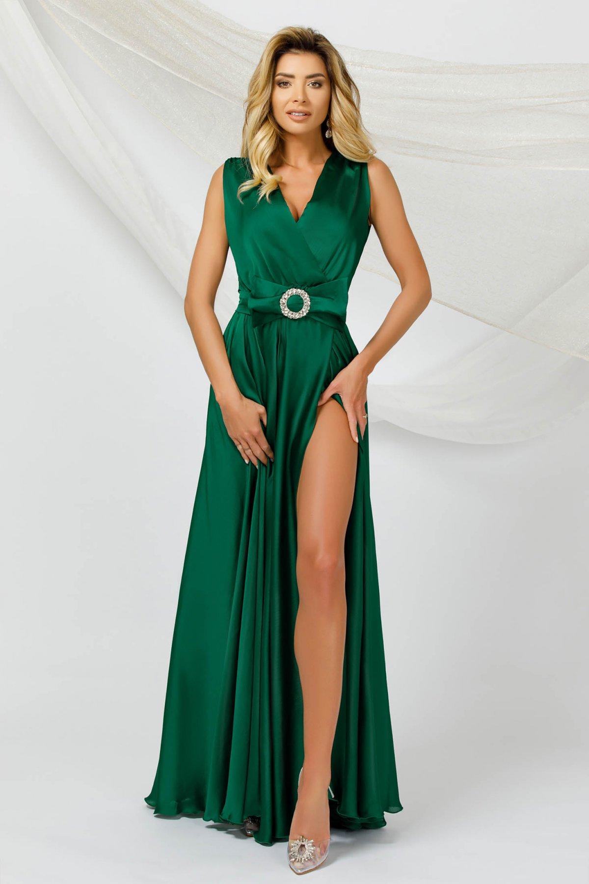 Rochie PrettyGirl verde lunga de ocazie in clos din voal din material satinat fara maneci