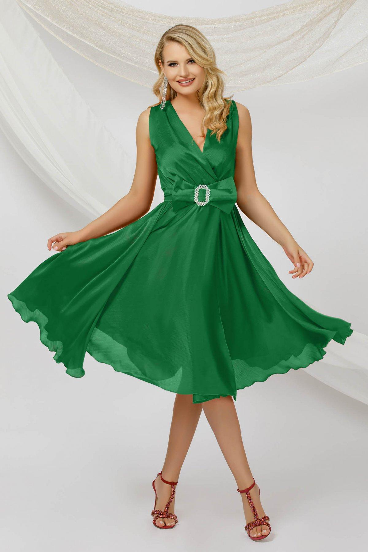 Rochie PrettyGirl verde midi de ocazie in clos din voal fara maneci cu cordon detasabil