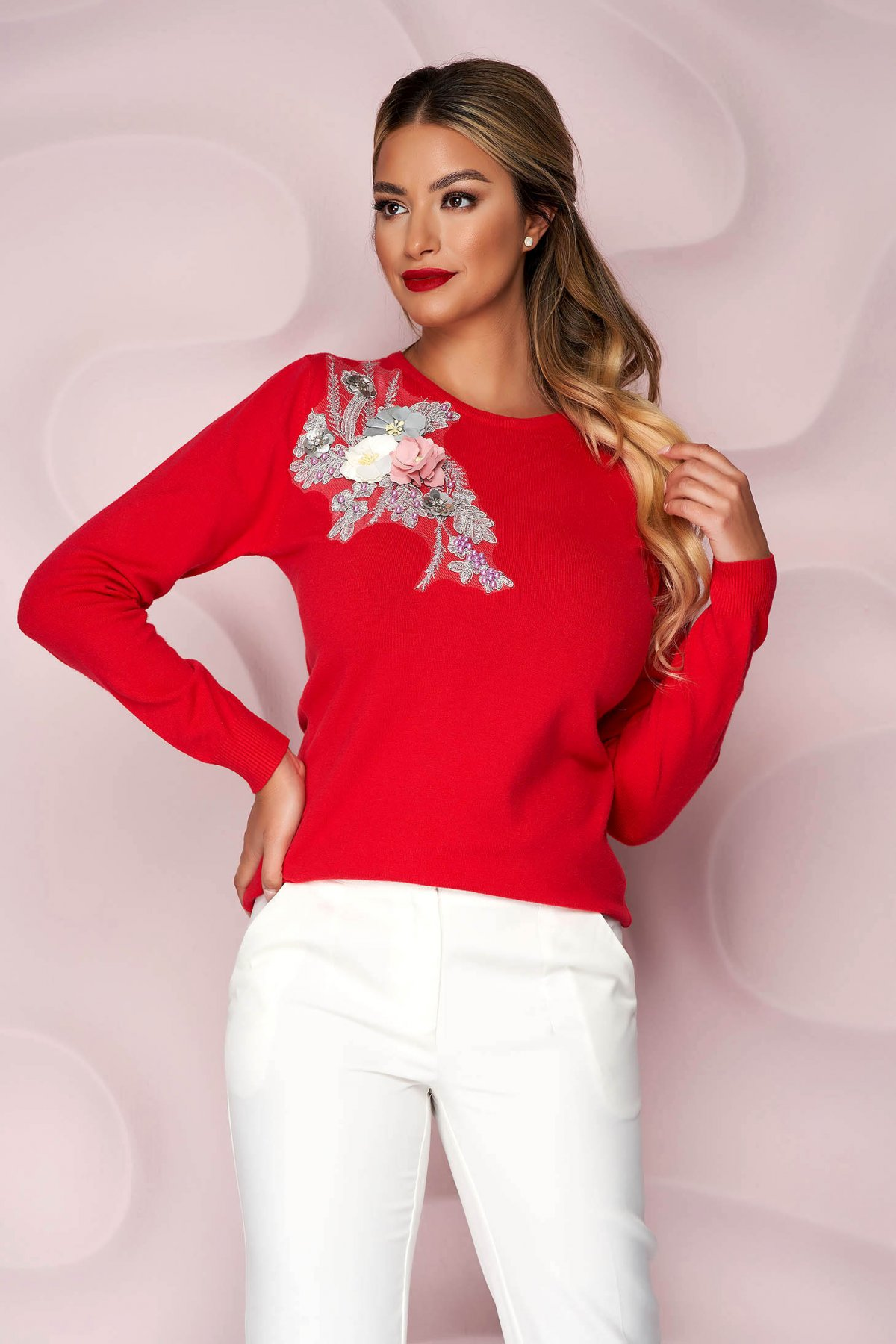 Bluza dama Lady Pandora rosie tricotata cu croi lejer si flori in relief cu efect 3d