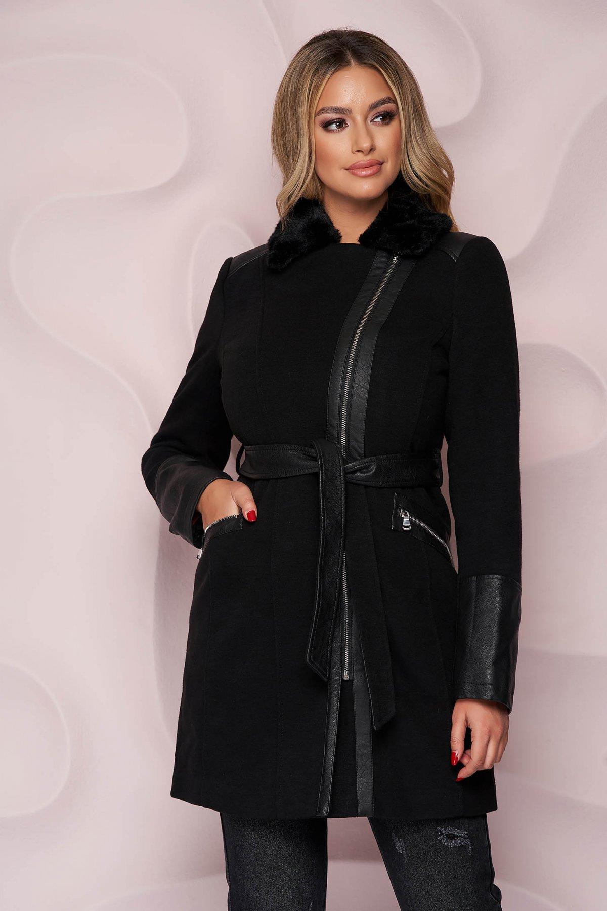 Palton SunShine negru elegant cambrat din material gros cu guler din blana si aplicatii din piele ecologica