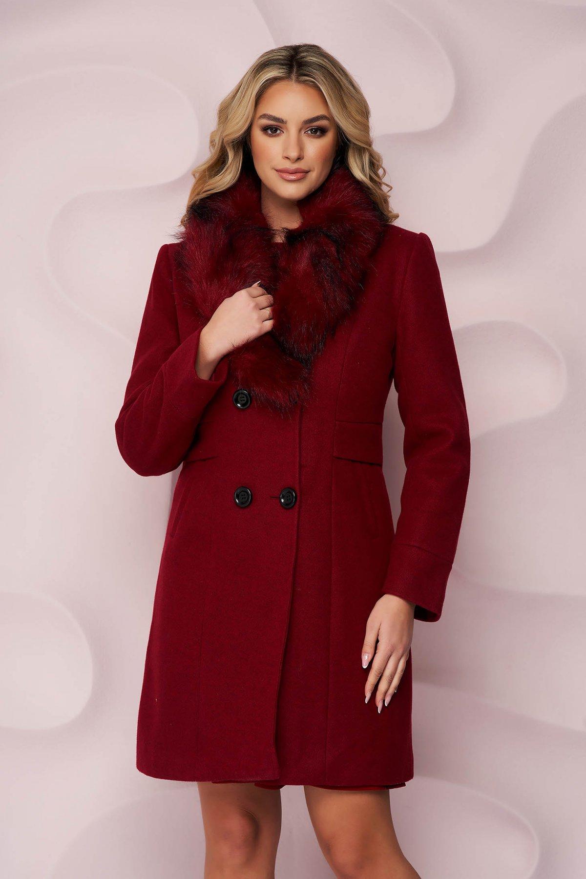 Palton SunShine visiniu elegant cu un croi cambrat din material gros cu insertii de blana ecologica detasabile la guler